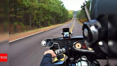 Apple has a 'warning' for motorcycle riders with iPhones - Times of India