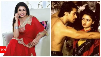 Bhagyashree opens about the possibility of working with Salman Khan again, says he is working with all young heroines - Times of India