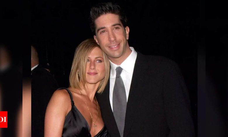 Jennifer Aniston addresses dating rumours with David Schwimmer as 'bizarre' - Times of India