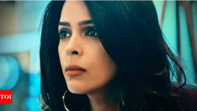 Mallika Sherawat: When I am talking to my mother, I wear the biggest 'Nakaab' - Times of India