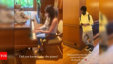 Mira Rajput shows off her piano skills while Shahid Kapoor waits for her to play 'Bekhayali' - Times of India