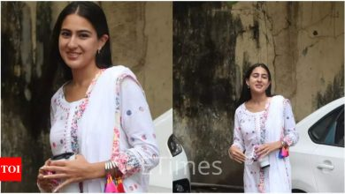 Sara Ali Khan gets snapped outside a production house; Is a new project on the cards? - Times of India