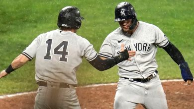 Yankees' Gleyber Torres makes up for ugly error with clutch hit